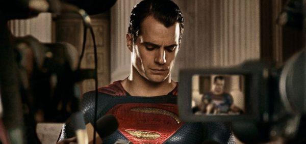 Soha többet nem látjuk Henry Cavillt Superman szerepében